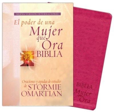 Biblia NVI Poder de Una Mujer Que Ora Piel Rosa (Tapa Suave)
